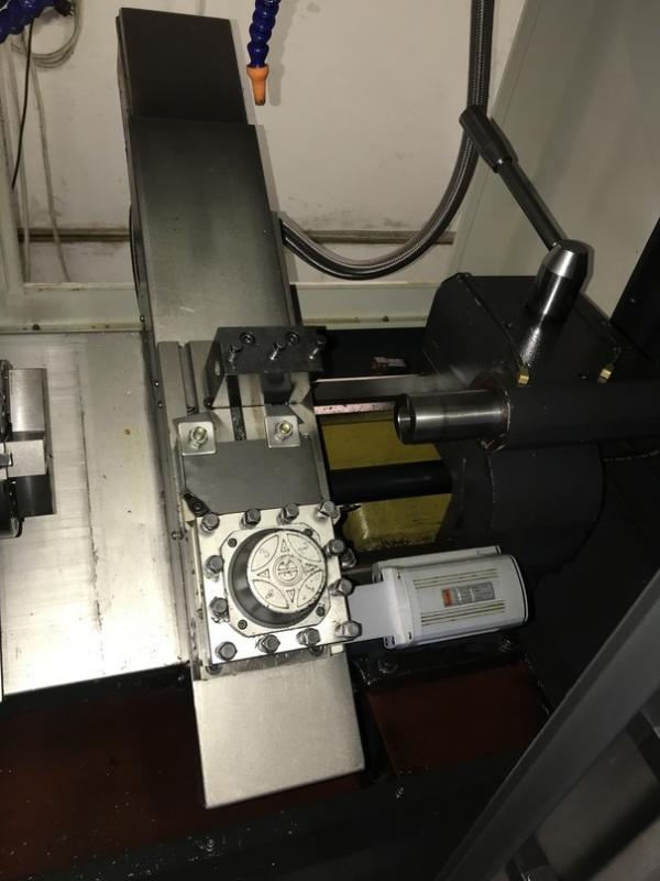 CNC eszterga lineáris ággyal