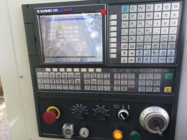 CNC eszterga CK6140
